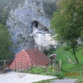 Postojnska jama, predjamski grad